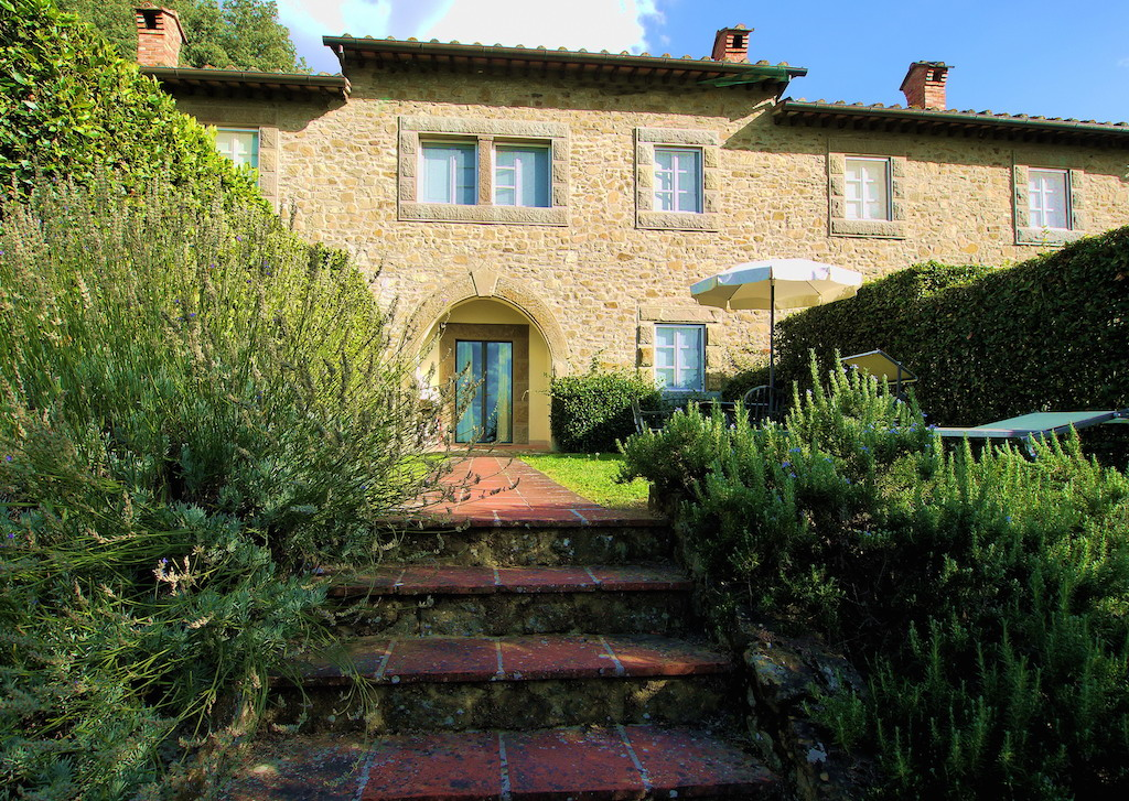 Casina Lombardia in Tuscany